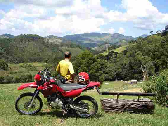 Motociclista na pérola da Mantiqueira