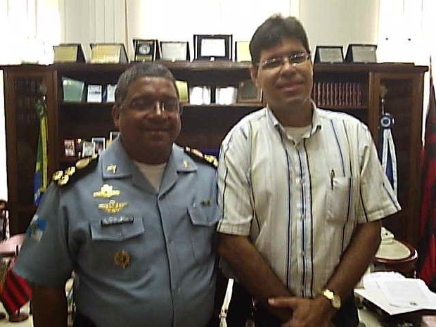 Foto: Renato Pereira com o comandante da PM do Rio,  coronel Ubiratan ¶ngelo