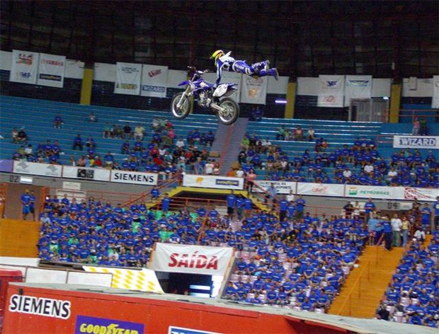 Foto: Nathan Azevedo no Ibirapuera em 2004