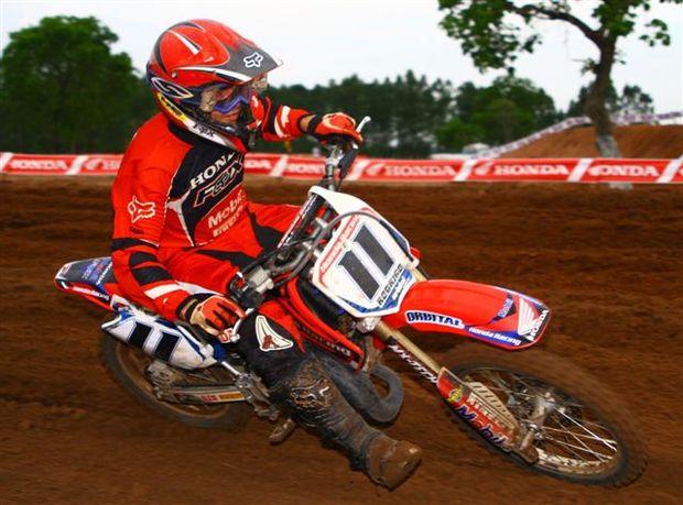 Foto: Rodrigo de Castro, piloto da categoria 85cc do Campeonato Brasileiro de Motocross