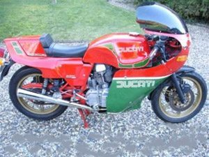 Foto: Ducati - Mike Hailwood replica - JCB Collection.uk
