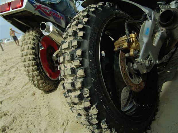 Motos Esportivas voam na Areia