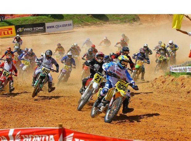 Foto: Largada do Campeonato Brasileiro de Motocross