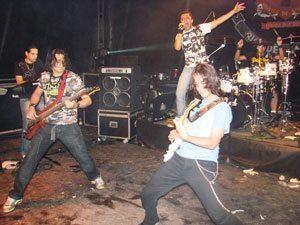 Foto: A banda Faixa Etária fará o show principal do Motofest Niterói na noite de sábado