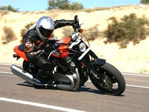 Nova XR 1200 resgata passado esportivo da Harley