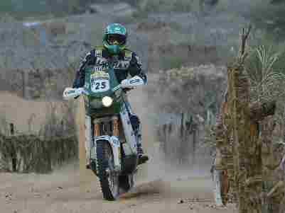 Foto: Jean larga entre os favorito no Dakar 2006