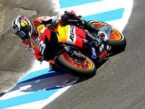 Pedrosa leva Honda de volta às vitórias
