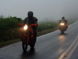 Foto: · noite com chuva, que sufoco