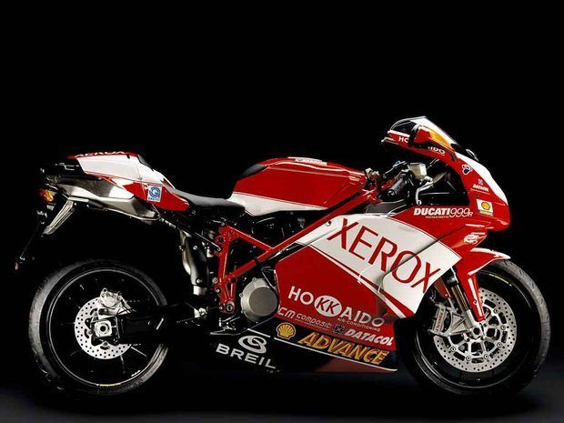 Piloto Ducati garante título do Superbike 2006