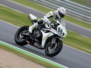 Piloto Honda fica com o título da Supersport