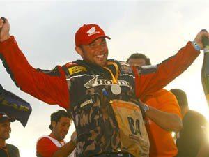 Foto: José Hélio, piloto patrocinado pela Honda, busca o título do Rally dos Sertões 2008 na categoria motos.
