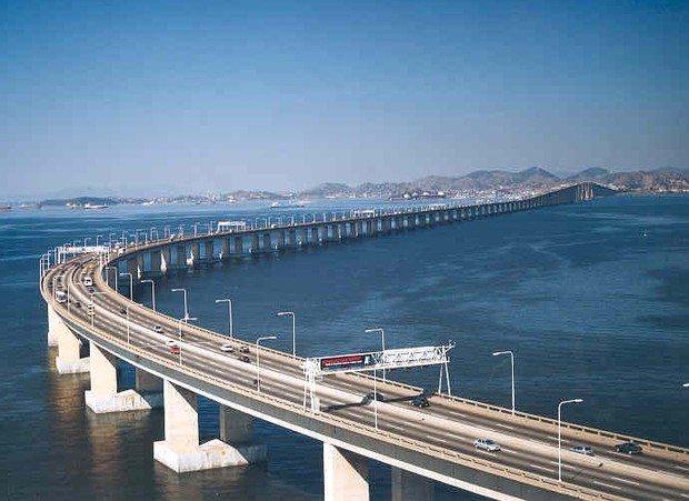 Ponte Rio-Niterói tem revitalização da sinalização horizontal