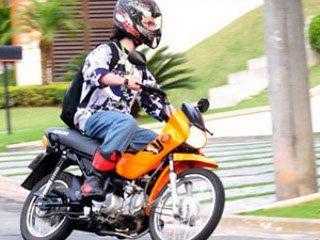 No teste da Pop, tivemos a colaboração de um motonliner de Curitiba, o Tex que ajudou na produção das fotos.