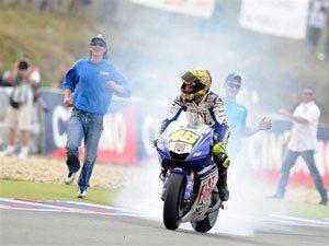 Quinta vitória deixa Rossi com 50 pontos de vantagem