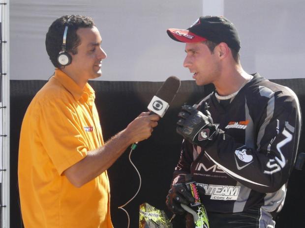 Rafael Fonseca concede entrevista ao vivo ao Sportv - Foto de Sidney Levy
