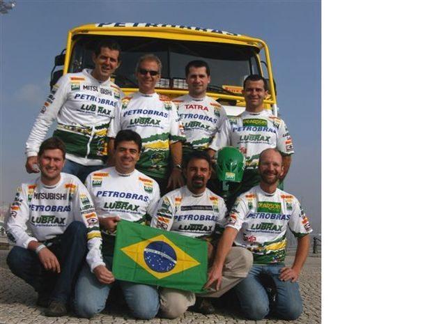 Foto: A Equipe Petrobras Lubrax completa em Lisboa, pronta para a largada