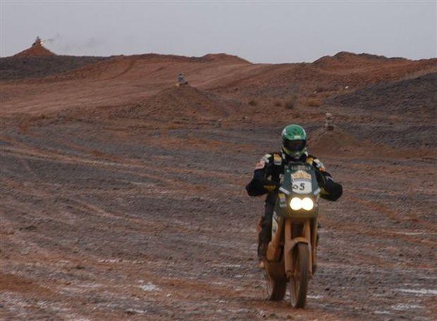 Foto: Jean Azevedo durante a 6¦ etapa, entre Tan Tan e Zou'rat