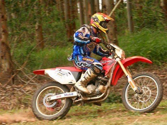 Foto: Roosevelt Assun‡Æo veio do motocross e venceu