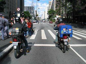 Foto: Motociclista ' tudo igual?