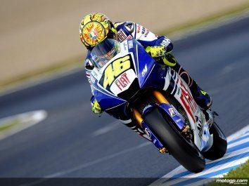 Rossi conquista sexto título de MotoGP com vitória em Motegi