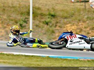 Rossi na pole em Brno apesar de queda