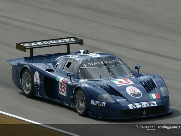 Rossi pilotou um GT em Misano