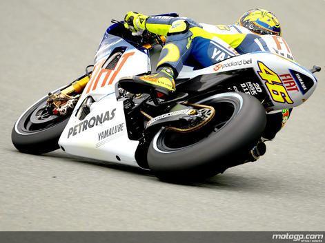 Rossi responde com primeira pole em Sachsenring