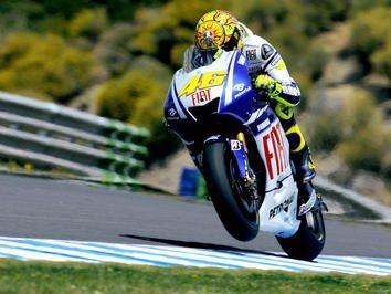 Rossi soma primeira vitória do ano