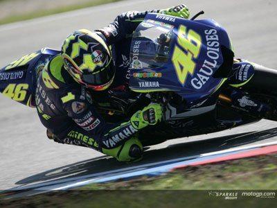 Rossi vence 9ª corrida da temporada com Sete a desistir a poucas curvas do fim