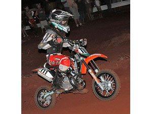 Foto: Vitória de Pedro de Castro Boechat na Mini Infantil 50cc