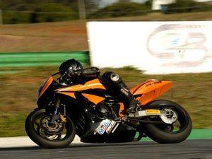 Foto: Norton Mazera, piloto da casa, foi o mais rápido na 600cc