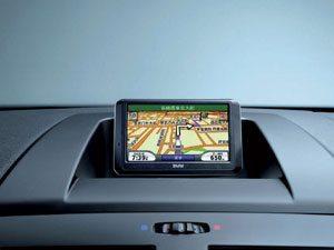Sistema de navegação portátil para o BMW Série 3 e Série 1 já encontra-se disponível no Brasil