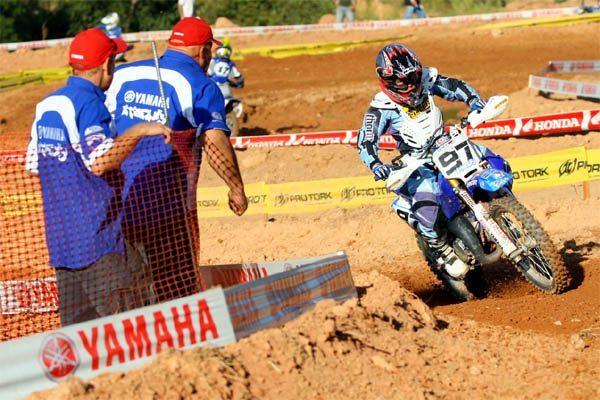 Stefany Serrão ganha seis posições no Campeonato Brasileiro de Motocross