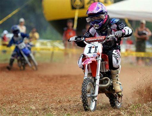 Stefany Serrão vence e lidera Campeonato Brasileiro de Minicross