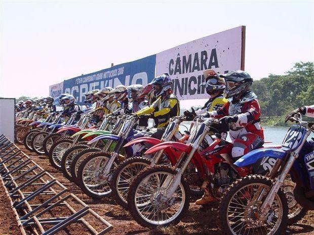 Sucesso na abertura do Goiano de Motocross em Acreúna
