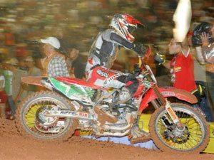Foto: Leandro Silva, piloto da SX1 do Team Honda no Brasileiro de Supercross
