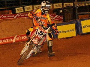 Foto: Everaldo Filho, piloto da 85cc do Team Honda no Arena Cross