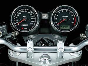 Técnicas: rotações, parada, pneu, freio, suspensão etc