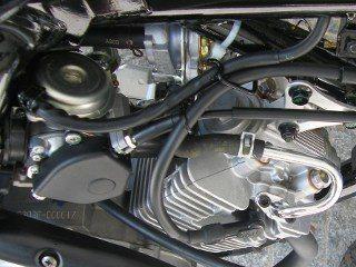 O carburador a vácuo mantém as emissões baixas
