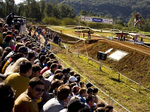 Velocidade e publico Recorde na Copa Sul de MotoCross em Meleiro