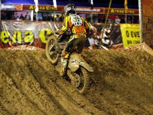 Foto: Pipo Castro, piloto da equipe 2B Racing da categoria Pro, no Arena Cross