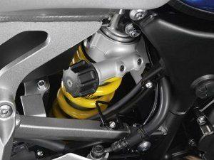 Suspensão ajustável com regulagem da pré-carga traseira sem ferramentas se adapta facilmente à variação de carga