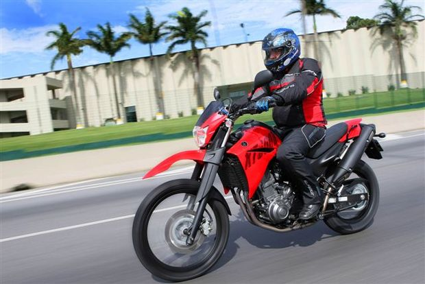 Yamaha XT 660R reina absoluta no segmento trail de média cilindrada