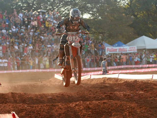 Thales Vilardi, durante a 2ª etapa do Latino de Motocross 2010, em Brasília