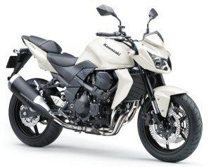 Além da branca, a Kawasaki Z750 vem nas cores preta e verde