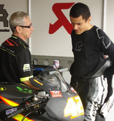 Apaixonado pelo motociclismo, mesmo nas horas vagas entre os treinos e a faculdade de engenharia mecânica, Pedrosa gosta de andar de moto e assistir a corridas