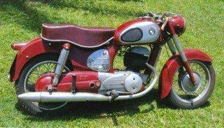 Puch feita na Áustria nos anos 50 usava a tecnologia de chassi em chapa estampada