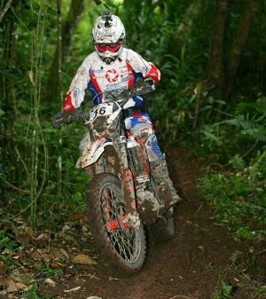 Rômulo Bottrel, vencedor da classe E2 na 4ª etapa da Copa Pakato de Enduro em Biritiba Mirim (SP)