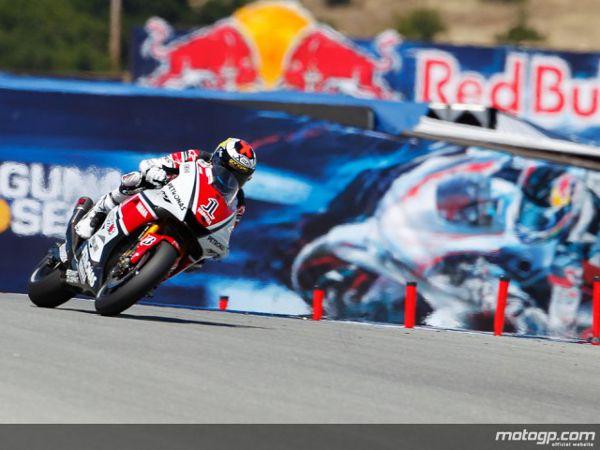 Jorge Lorenzo garantiu a pole para o Red Bull Grande Prémio dos Estados Unidos depois de Stoner e Pedrosa terem falhado os ataques tardios.