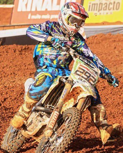 Douglas Parise é líder da MX Gold e MX1 do Rinaldi Gaúcho de Motocross